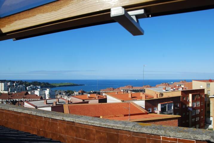 Trasmiera I (vistas,cerca playa y centro,wifi)