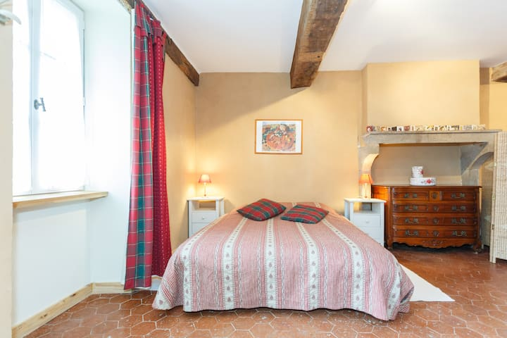 B&B LES PETITS GALETS - Saint-Maurice-lès-Couches - Bed & Breakfast