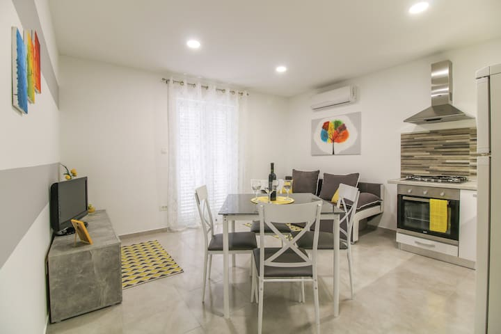 In city/away from crowds - PARKING,GARDEN,PRIVACY