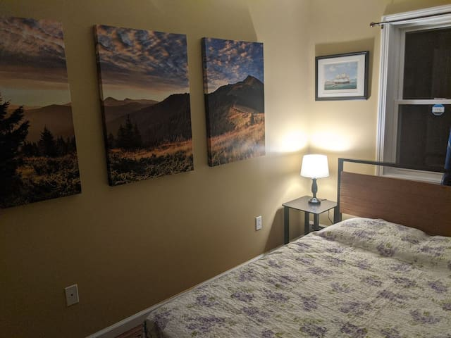 Brookside Spare Bedroom - Relax in Nature