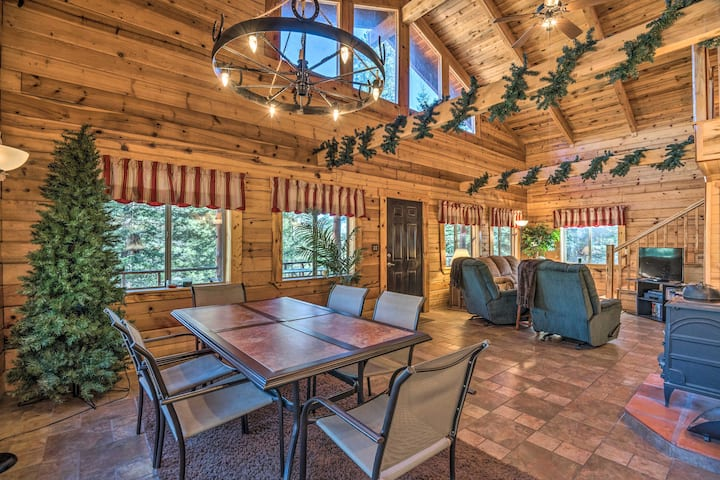 NEW! Grand Cloudcroft Cabin w/ Horse Stalls & Deck