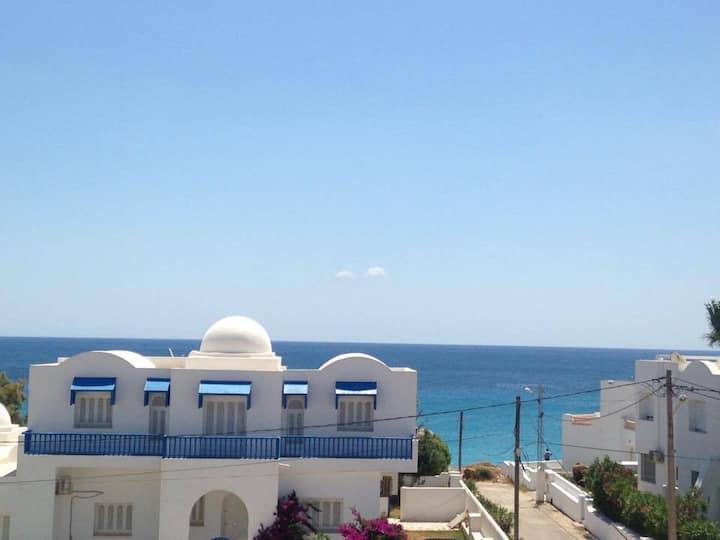 Appartement 4 chambres spacieux vue mer à Kelibia
