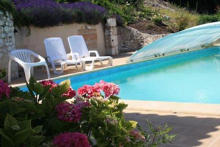 Gîte Soleil Levant climatisé,piscine près Bergerac