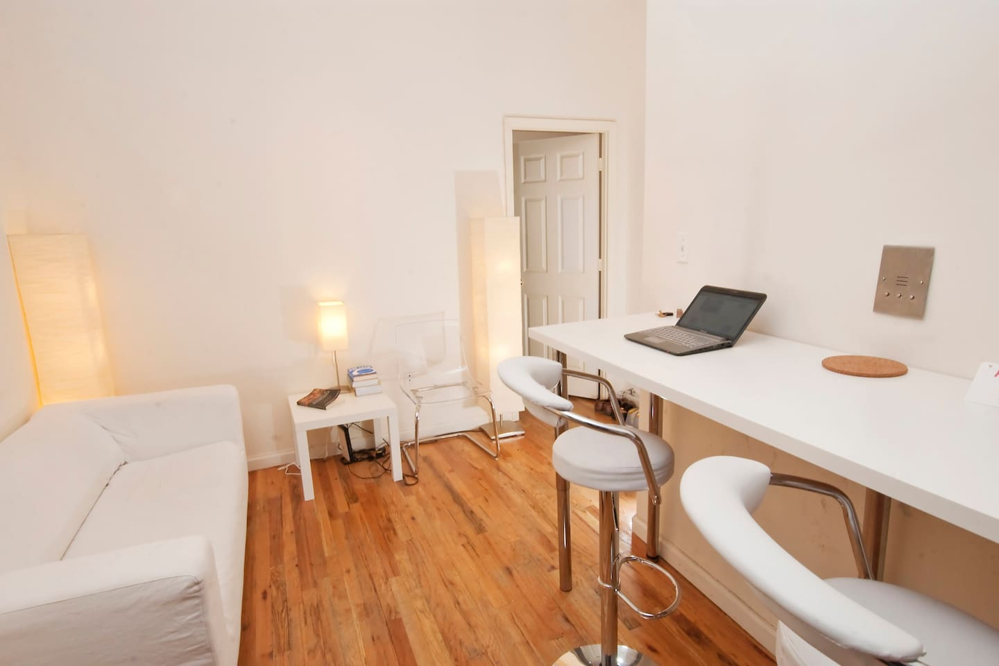 Main room - here you can write, browse and chill