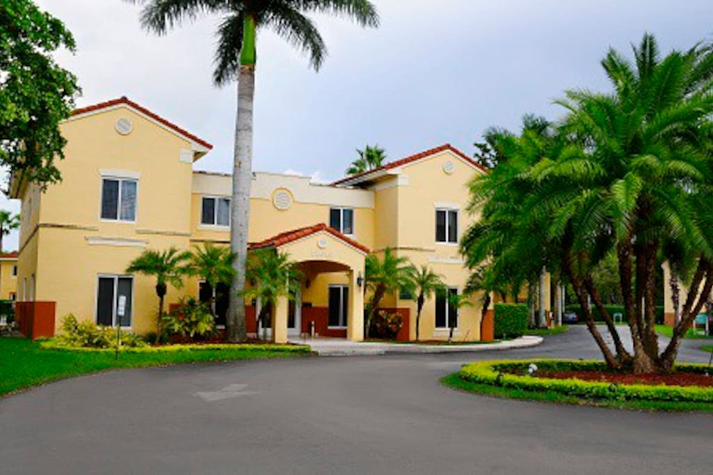 Miami Apt Great 2b 2b Pool Shr Apartments For Rent In