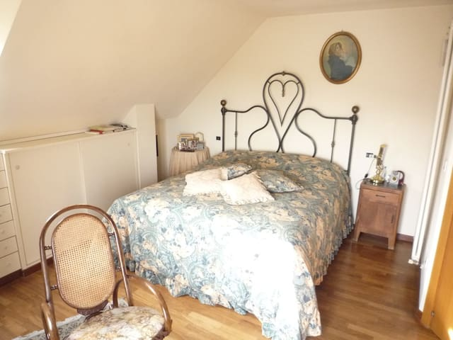 Camera matrimoniale con bagno e idromassaggio - San Benedetto del Tronto - Casa