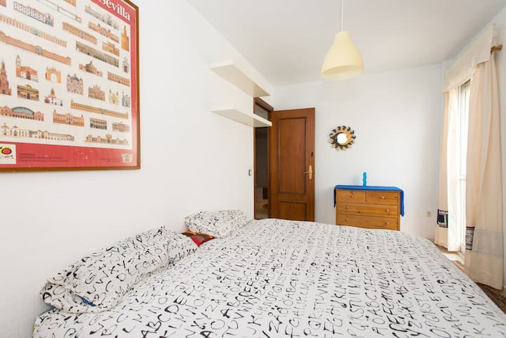 Double room with shared bathroom WF - Seville