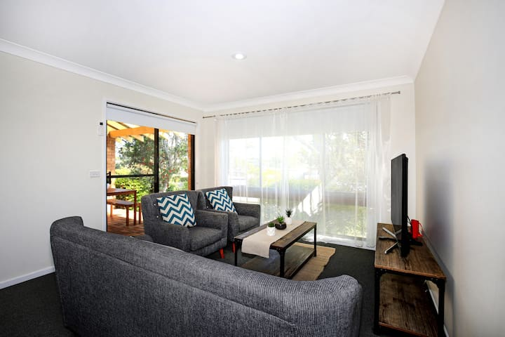 The Villa @ Jervis Bay - Pet Friendly