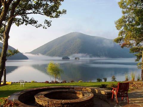 Sans Souci at Smith Mountain Lake