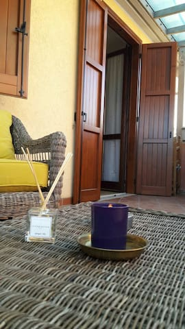 COZY APARTMENT IN SIRMIONE NEAR SPA - Colombare - Apartament
