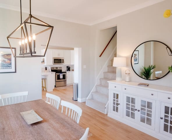 Remodeled Home Near Beach and Downtown