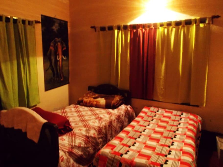 Kolkata Backpackers B&B Homestay
