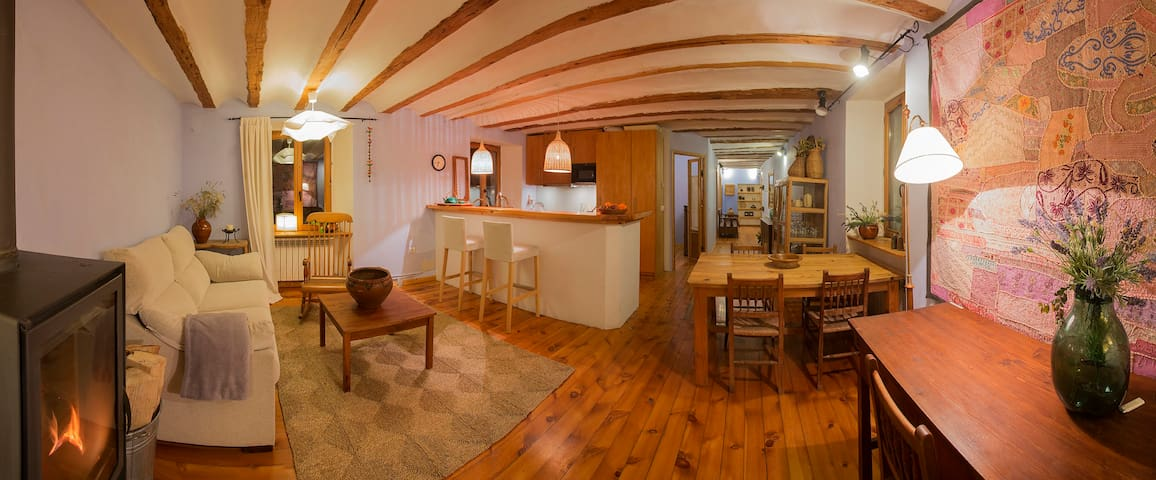 Casa Mingot: Alojamiento Alto 4 plazas S.XVI - Anciles - Appartement