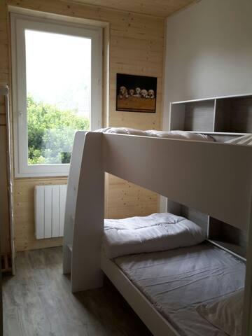 Chambre 2 avec 2 lits superposés  en 190 X 90