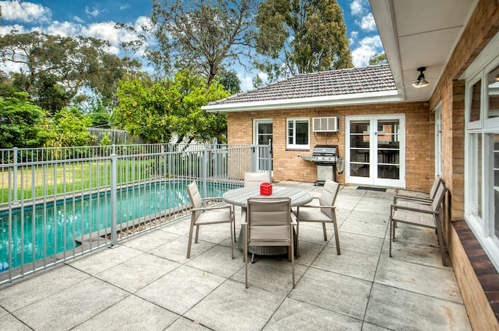 Bellbird  Haven with pool