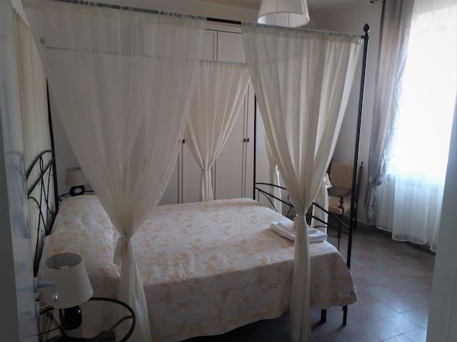 Camera Matrimoniale con letto aggiuntivo