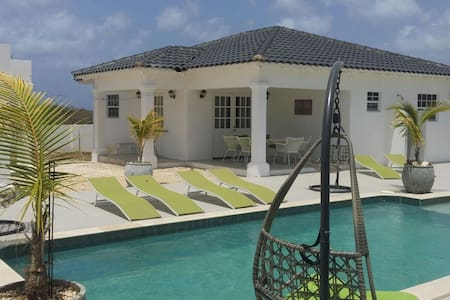 "Viva Bonaire house ""Joy"""
