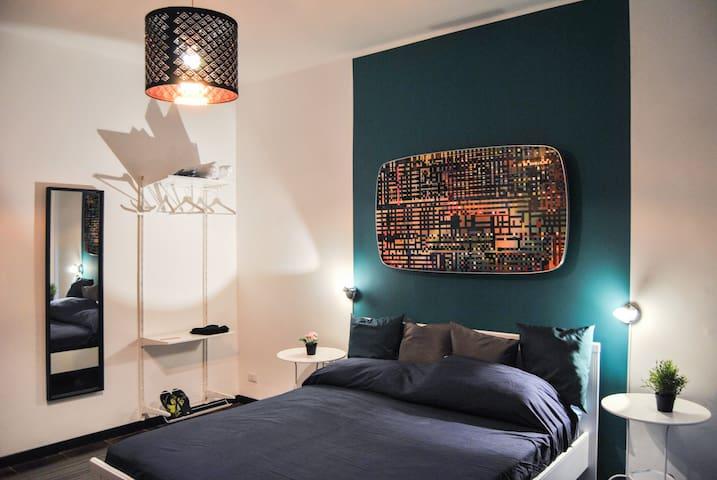 Camera matrimoniale con balcone - Bari - Bed & Breakfast