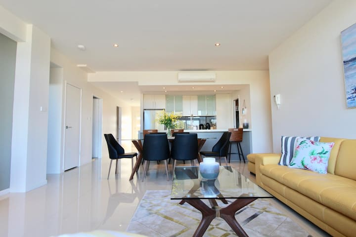 Aqua Shores - 1 Bedroom - Huskisson ( Newly renovated with WIFI, Linen, Netflix and A/C)