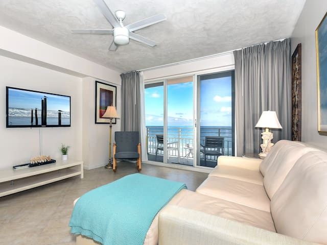 Oceanfront: boardwalk, balcony, Laundry, Kitchen