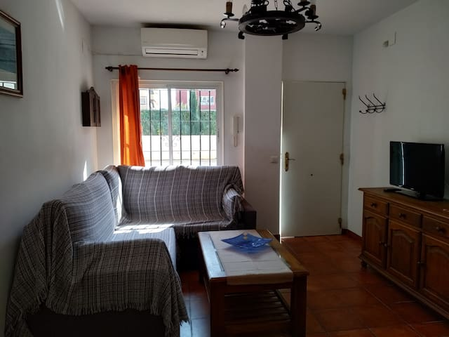 FLAT IN CENTER OF ARROYO DE LA MIEL