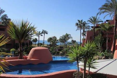 Сдам апартаменты в 5* Torre Bermeja, Marbella. - Gualdalmansa - Apartmen perkhidmatan