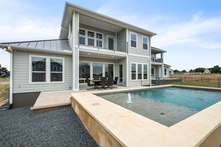 Archview Terrace 1 - BRAND NEW luxury home with a private pool! Boat Slip Available! Ask about our Winter Specials!
