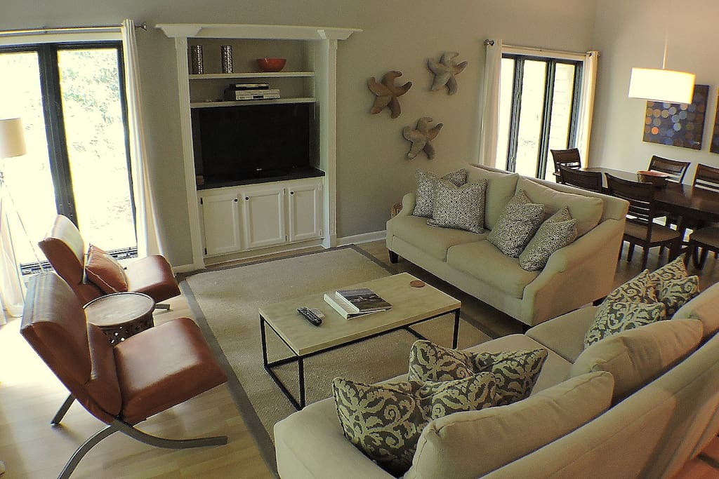 The open floor plan provides an opportunity for everyone to relax, enjoy the views and the amenities