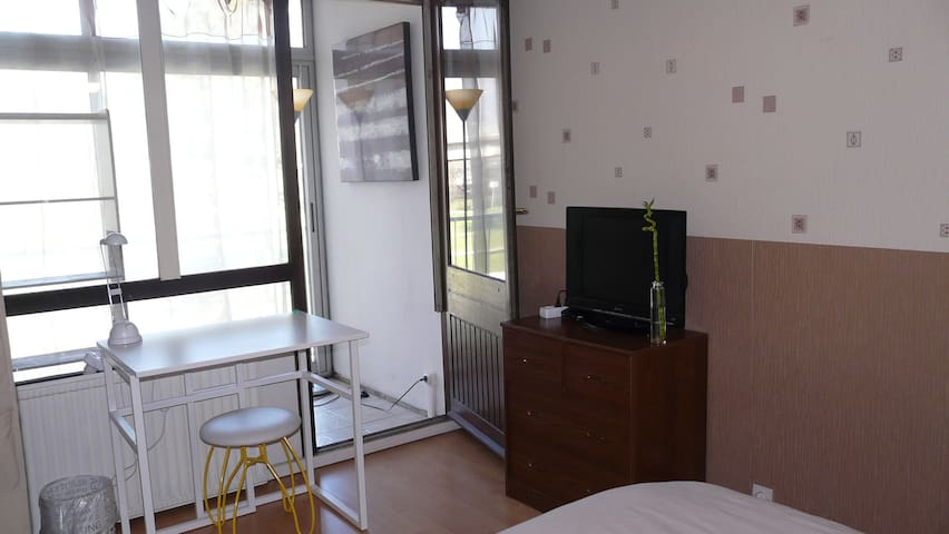 B&B with all confort and TV .G - Échirolles - Apartment