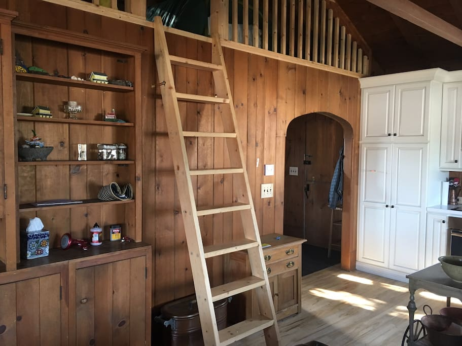 Ladder to loft and rear entry