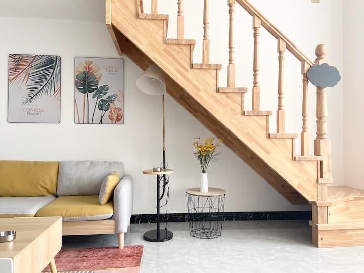 『三只猫』Loft复式公寓 | 大客厅 | 简约清新风 | 位于防城港市中心区 | 可做饭