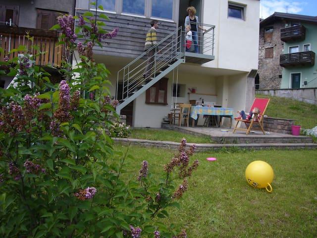 Casa storica in porfido con giardino - Baselga di Piné - Talo