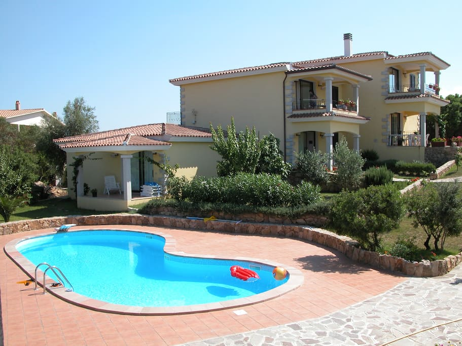 Beach house sea view swimming pool condominiums for rent - Houses to rent in uk with swimming pools ...
