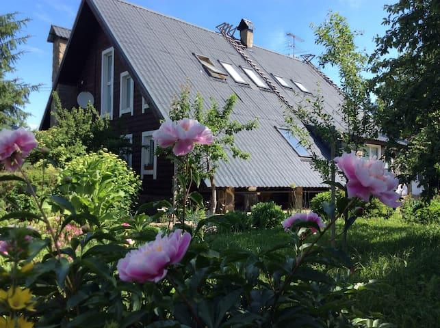 Дом с прекрасным видом в  исторической  деревне.