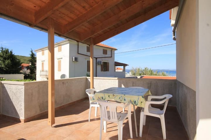 Two bedroom apartment with terrace and sea view Susak, Lošinj (A-8050-e)