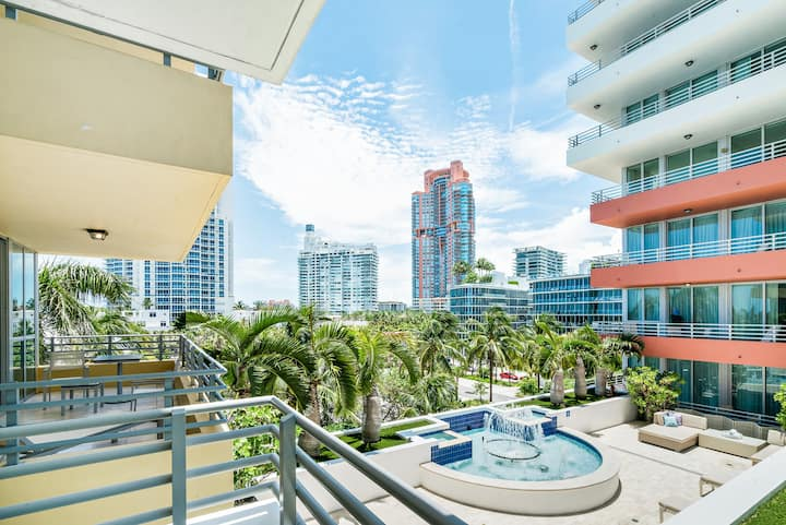 Bentley Beach Club | Studio King Suite City View
