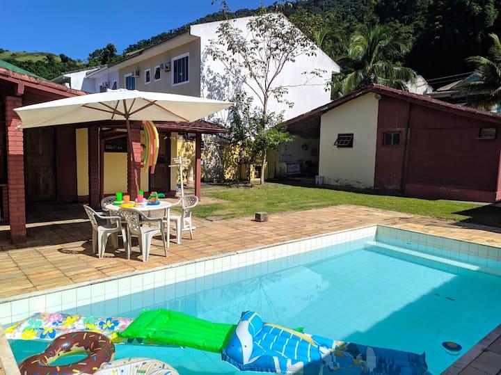Casa c/ Piscina e Churrasqueira em Garatucaia