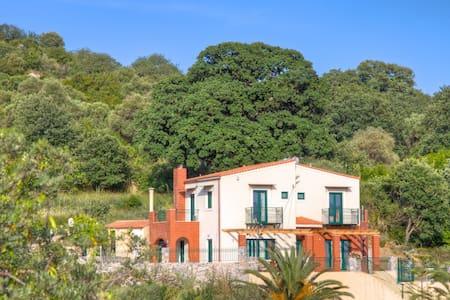 Villa with private pool & barbecue. - Kato Valsamonero - Haus