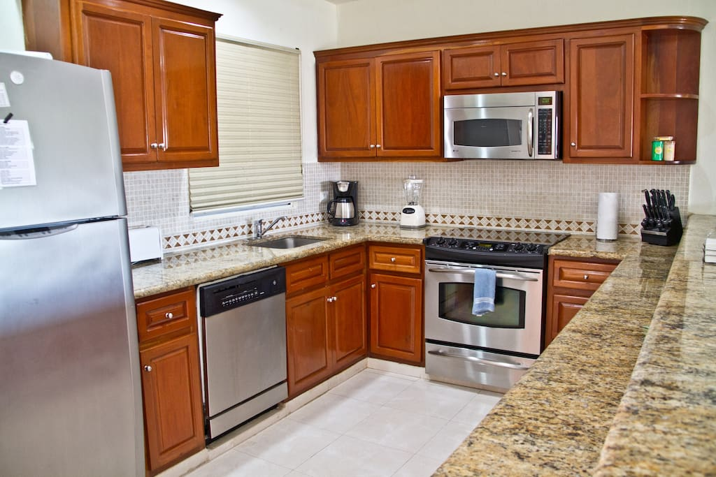 Fully Equipped Kitchen with Accesories