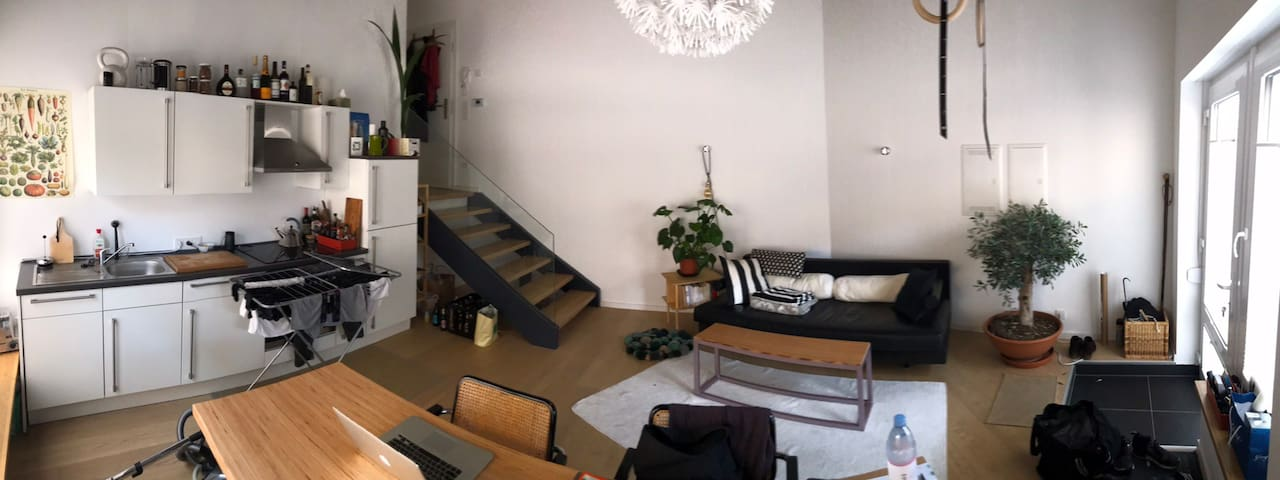 Individual charming Studio in central Munich
