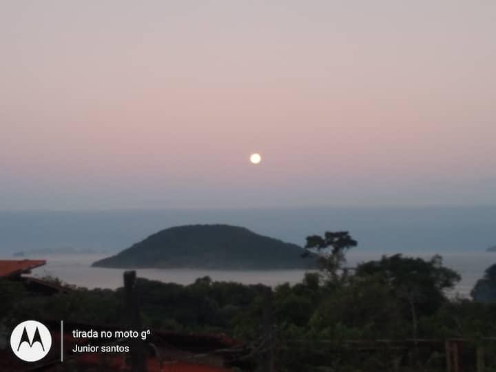 Ubatuba,Prumirim com vista para Ilha