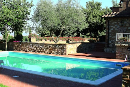 Villa in the heart of Tuscany with pool - Sammuro