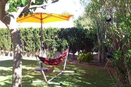 Casa con jardín. Delta del Ebro - Riumar