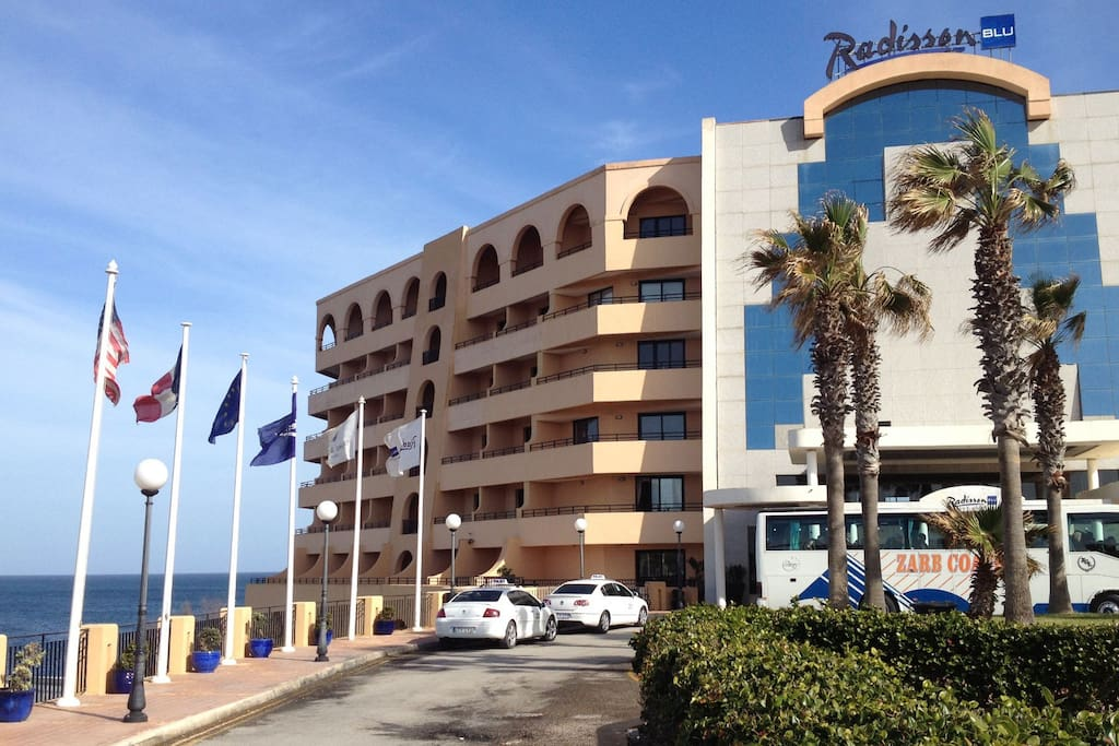Ideal for people attending conferences at the Radisson Blu hotel: just 10 minutes walk away