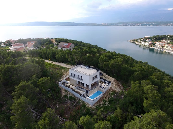 Stunning villa Mirta with gorgeous view near sea