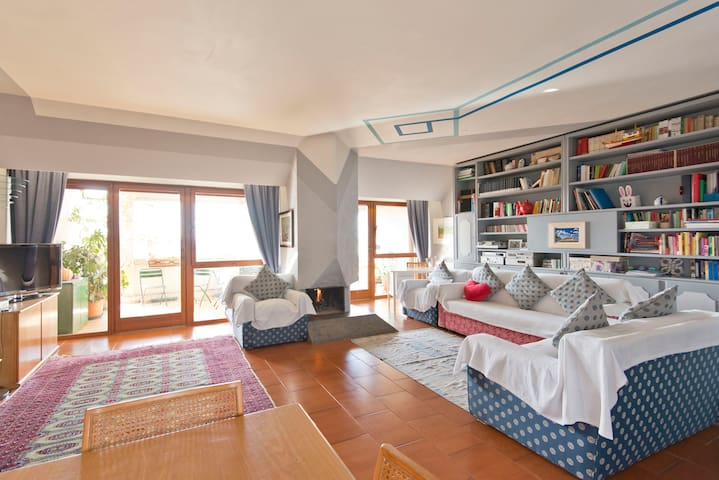 Sun-filled flat in Rome/EUR - Roma - Rumah