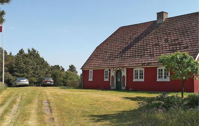 Holiday cottage with 2 bedrooms on 90m² in Rømø