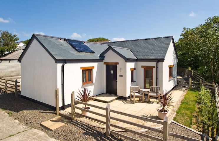 Haven for two in North Cornwall - Woolley