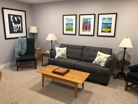 One level condo in the heart of Stowe Village!