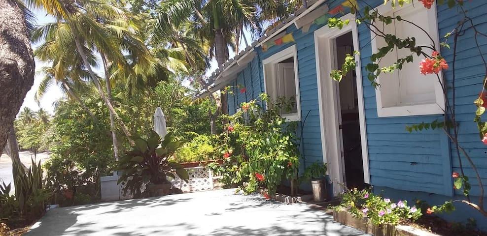 Anacaona - Blue Heaven Lodge